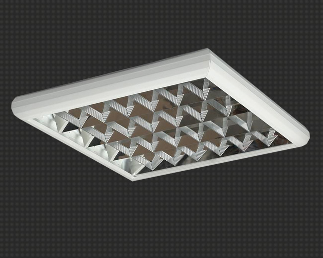 Светодиодный светильник, накладной, квадратный 19  Вт (аналог 4*18) с  зеркальной  решеткой